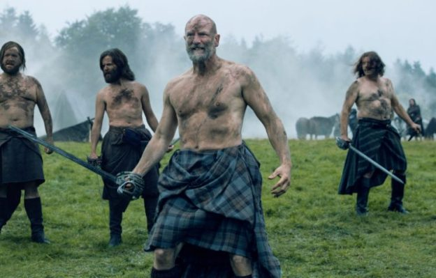 graham-mctavish-as-dougal-mackenzie-grant-orourke-as-ruper-mackenzie-episode-209-768x512-750x480
